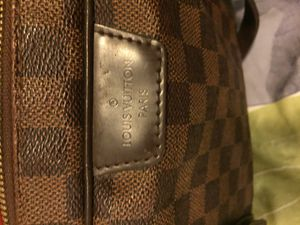 Authentic Louis Vuitton for 400, excellent condition. for Sale in Washington, DC
