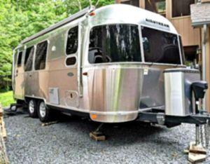 Smoke 2O16 Airstream ♔ for Sale in Charlottesville, VA