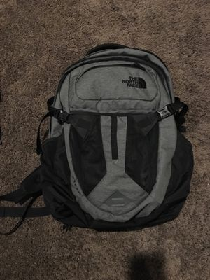 North face backpack for Sale in Dinuba, CA