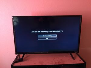 32 inch tcl roku tv for Sale in El Paso, TX