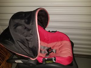 Cosco infant car seat and base for Sale in Myrtle Beach, SC