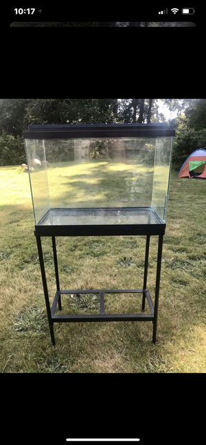 20 Gallon Fish Tank with Stand for Sale in Snohomish, WA