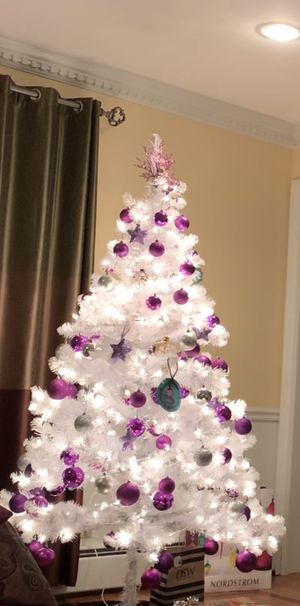 Christmas tree with ornaments for Sale in Saddle River, NJ