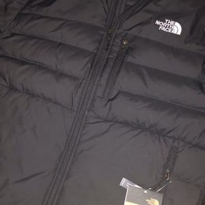 The north face MENS ACONCAGUA 2 JACKET/COAT for Sale in Columbus, OH