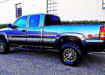 ֆ12OO 4WD Chevrolet SIlverado 4WD for Sale in Santa Monica,  CA