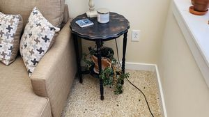 Rustic wood end table for Sale in St. Louis, MO