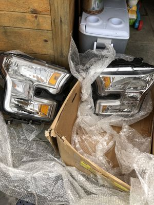 Ford F-150 front headlights 2015-16 80$ for Sale in Park Ridge, IL