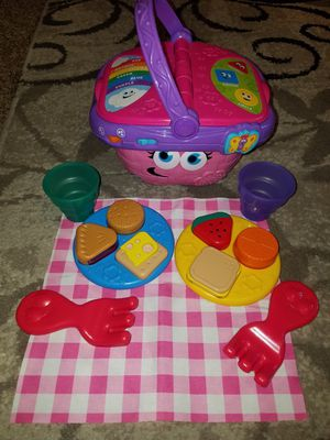 Pink leap frog picnic basket for Sale in Stockton, CA