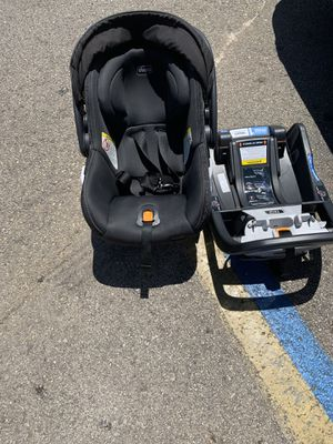 Chicco car seat for Sale in undefined