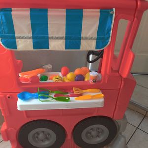 Little Tikes Food Truck And Accessories for Sale in Glendale, AZ