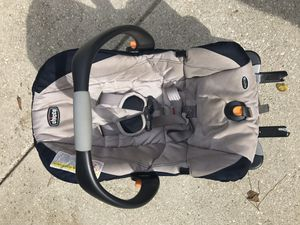 Chicco keyfit 30 car seat and snap n go stroller frame for Sale in Fairhope, AL