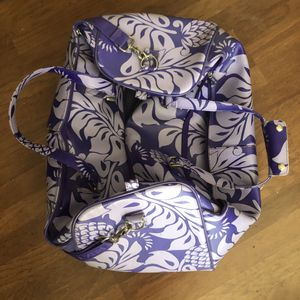 Large ROXY Travel Duffle Bag with Wheels for Sale in Las Vegas, NV