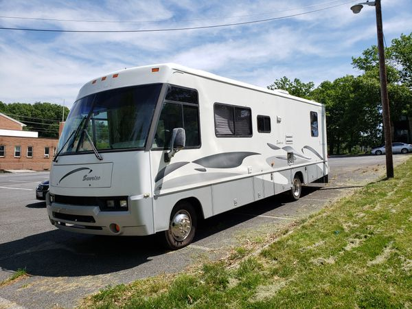 🔥🔥98 Winnebago. Clean title. 55,000 original miles. Ac. Good condition. Runs great. Everything works. $8,500 or best offer