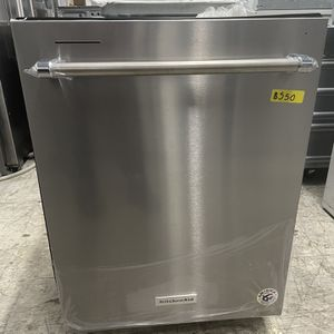 KITCHEN AID STAINLESS STEEL DISHWASHER for Sale in San Fernando, CA