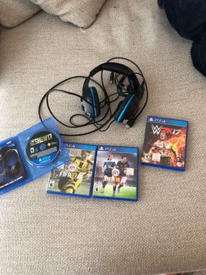 Gaming headphones + 4 games (PS4) for Sale in Boston, MA