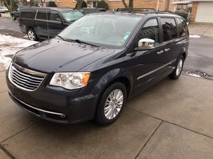 2013 Chrysler Town & Country Touring-L Minivan 4D for Sale in Chicago, IL