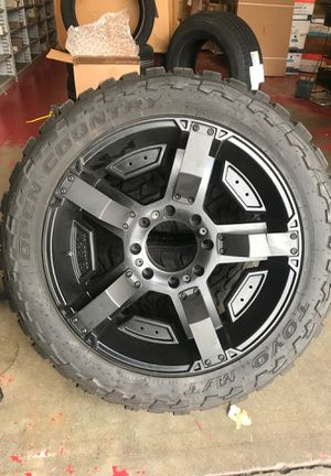 LT33x12.5R22 wheels and tires for Sale in Everett, WA