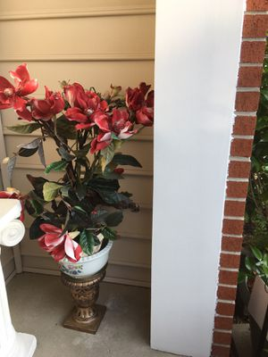 """Little tree 30"""" tall for Sale in Columbia, MD"""