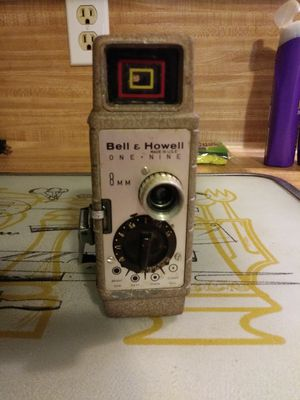 Vintage Bell & Howell one nine 8mm movie camera for Sale in Humble, TX