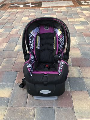 Car seat with base for Sale in Fort Myers, FL