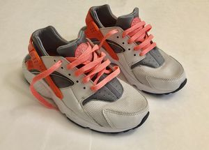 Nike Huaraches Shoes 6.5Y for Sale in Federal Way, WA