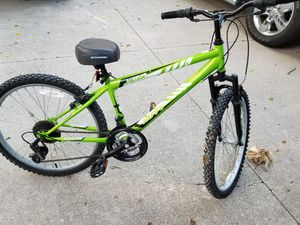 """Huffy Alpine 24"""" bike in new condition for Sale in Clinton Township, MI"""