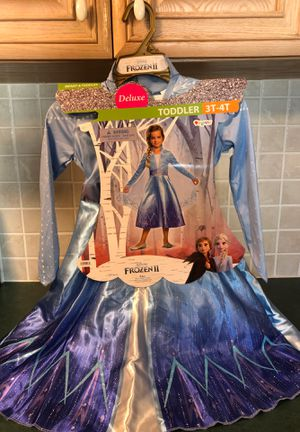Deluxe Frozen 2 Elsa Dress up Costume Size 3T-4T for Sale in Ruskin, FL