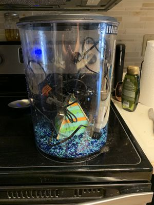 3.5 gallon tank with filter heater light and decor for Sale in Houston, TX