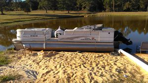 Boat: Bass Tracker Pontoon '28 Ocean Certified with Mercury 90 4stroke with trailer for Sale in Broxton, GA