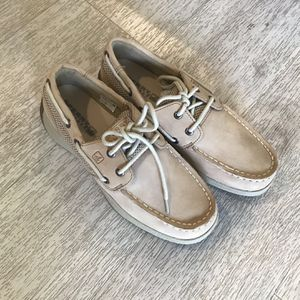 Boys Sperry Shoes Size 2.5 for Sale in Chula Vista, CA