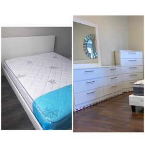 New queen bed frame mirror dresser and chest mattress is not included for Sale in Boynton Beach, FL