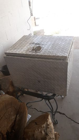 Dimond tool box 18×24 50 $ for Sale in Thorntonville, TX