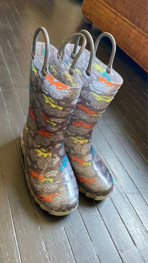 Rain boots for Sale in Ontario, CA