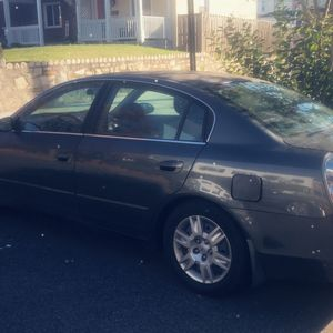 06 Nissan Altima S Decent car $1000 Or Best Offer for Sale in Washington, DC