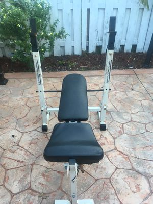 Weight lifting bench for Sale in Miami, FL