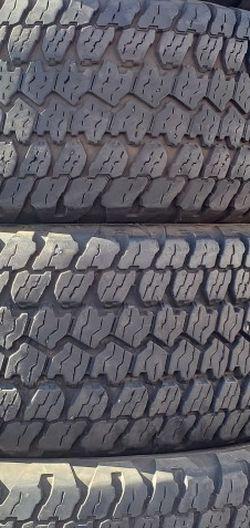 265/70r17 GOODYEAR Tires En Exelentes Condiciones De Vida Las 4 for Sale in Lakewood,  CA