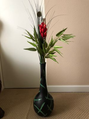 Vase with lovely flowers for Sale in Vancouver, WA