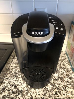 Keurig K40 Coffee Maker K-Classic Single Cup Brewing System for Sale in Denver, CO