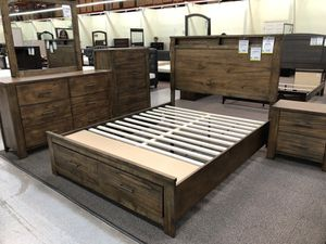 Queen bedroom set for Sale in Santa Monica, CA
