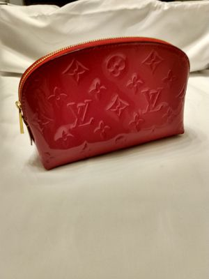 Louis Vuitton makeup bag for Sale in Los Angeles, CA