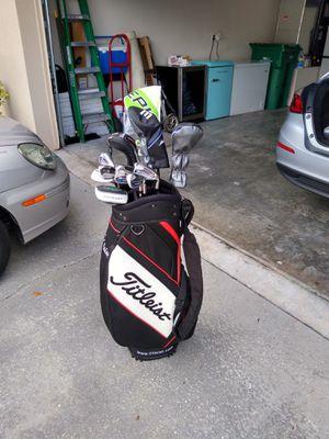 Excellent Titleist Cart Mid Size Golf Bag for Sale in Melbourne, FL