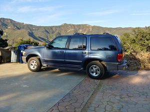 2000 Ford explorer 153000 miles. for Sale in Los Angeles, CA