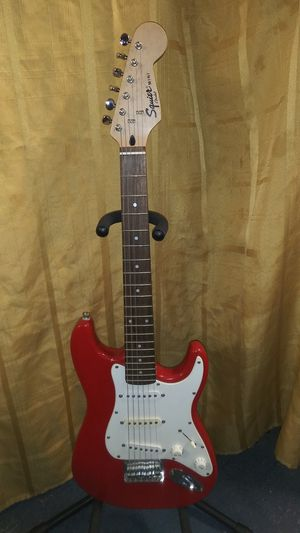 Squier Mini Stratocaster by Fender, electric guitar for Sale in Houston, TX