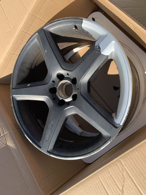 19in OEM AMG WHEELS for Sale in Alexandria, VA