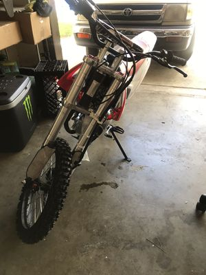 120 cc dirt bike. for Sale in Los Angeles, CA