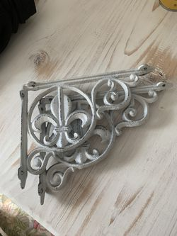 Cast iron shelf brackets awesome distressed white for Sale in Puyallup,  WA