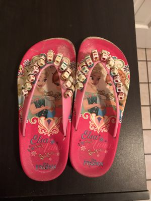 youth size 2 elsa slippers for Sale in Boston, MA