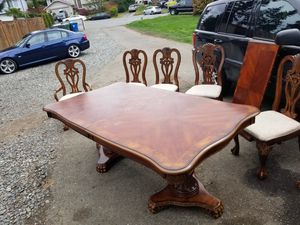 Dinning room table and chairs for Sale in Renton, WA