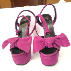 Giuseppe Zanotti Purple Platform Heel with Bow for Sale in Saugus,  MA