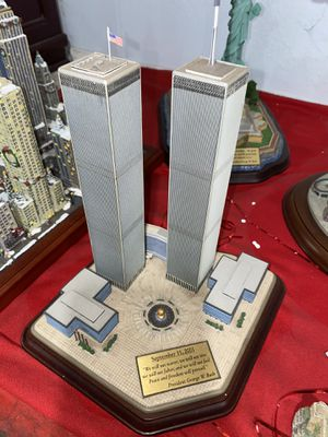 Danbury Mint Twin Towers Commemorative Statue for Sale in Fullerton, CA